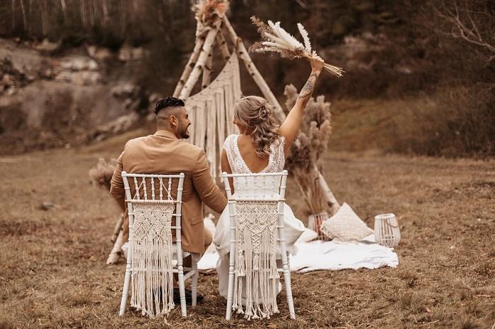 Hochzeitsdeko für freie Trauung - Boho Hochzeit - Bohemian Wedding mit Tipi Traubogen