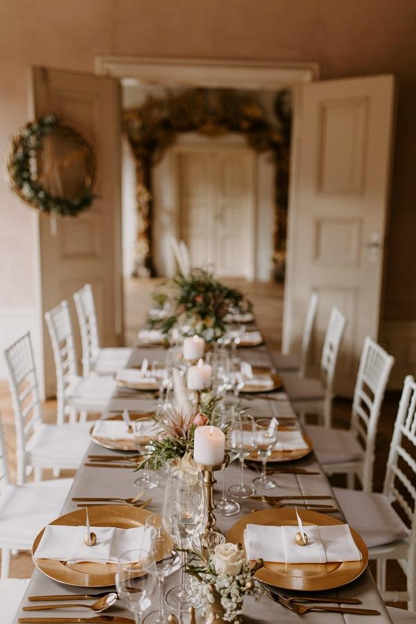 Hochzeitsdeko mieten - Tischdekoration und Chiavari-Stühle